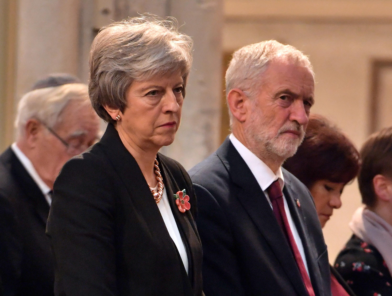 May vai negociar com oposição para tentar acordar compromisso para Brexit