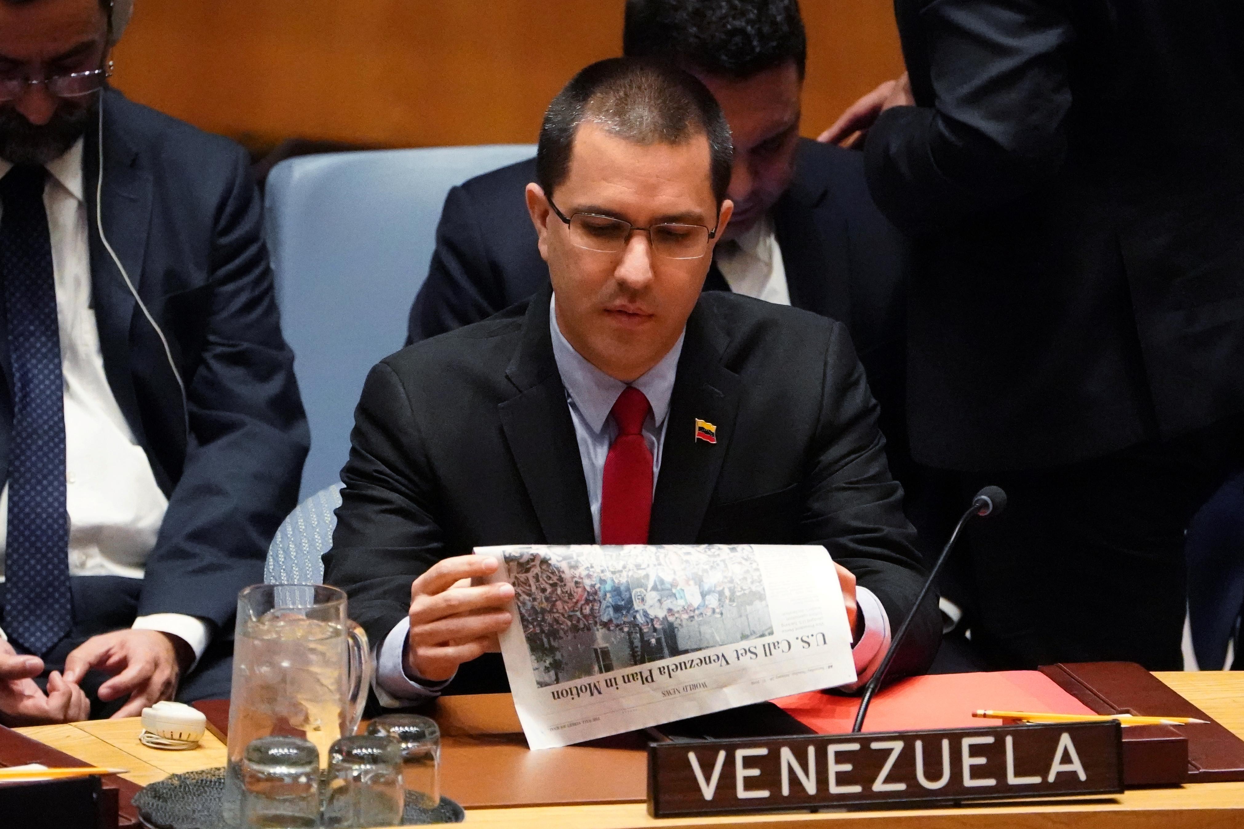 """Venezuela promete reabrir """"o mais cedo possível"""" fronteiras com o Brasil"""