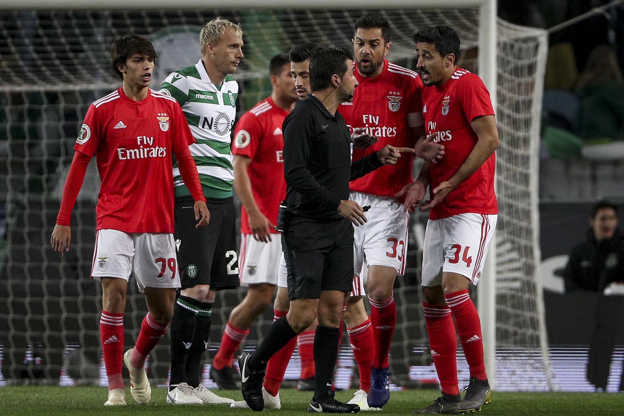 """Benfica pede: """"Que a permissividade dos árbitros não se torne um padrão"""""""