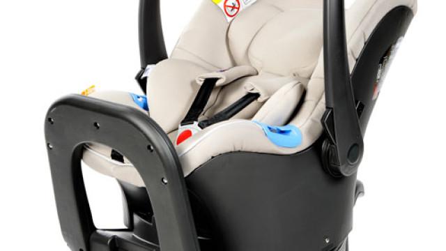 Cadeira de automóvel da Chicco reprova em teste da DECO
