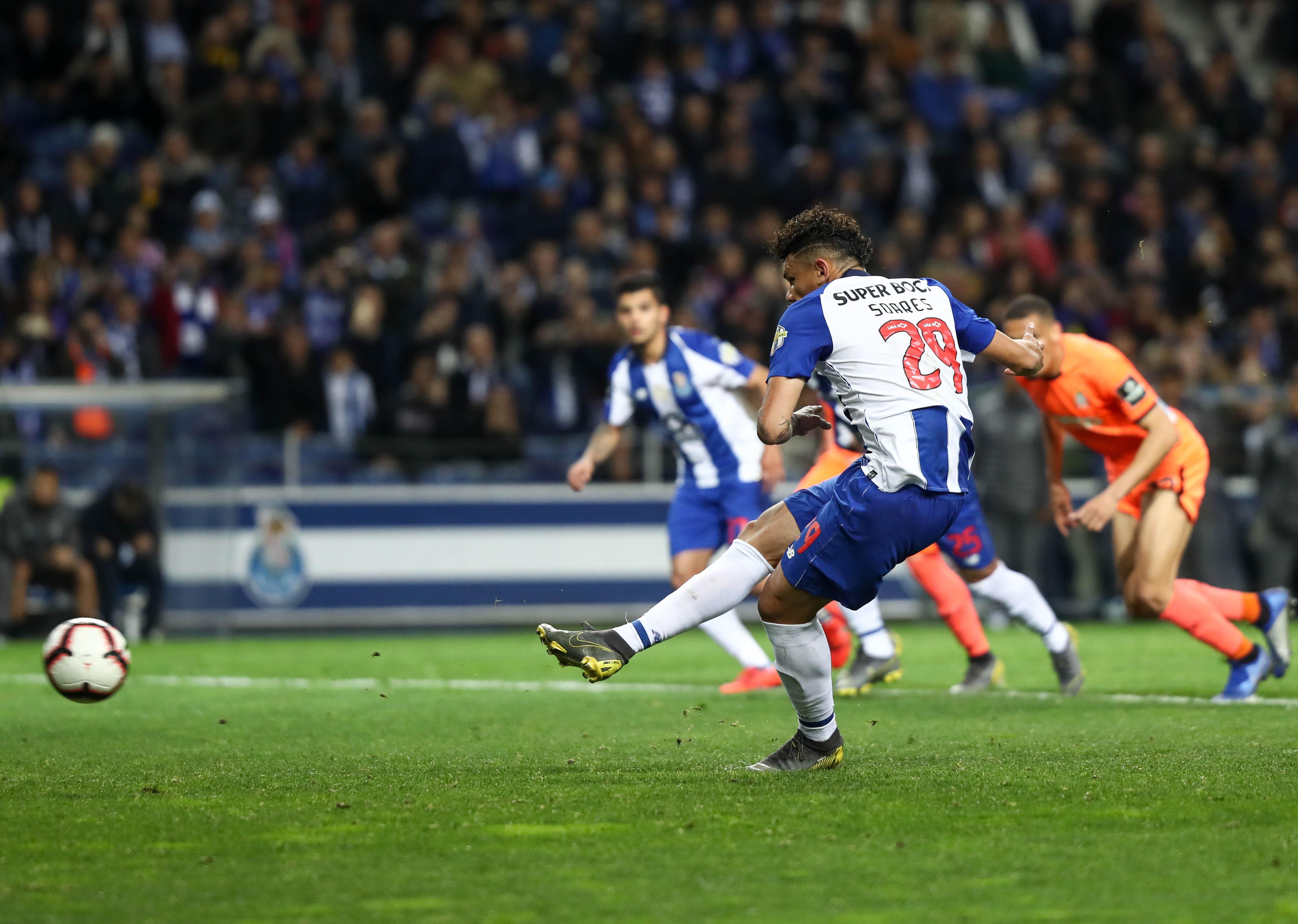 FC Porto destruiu o 'xadrez 112' e deixou os reds em alerta