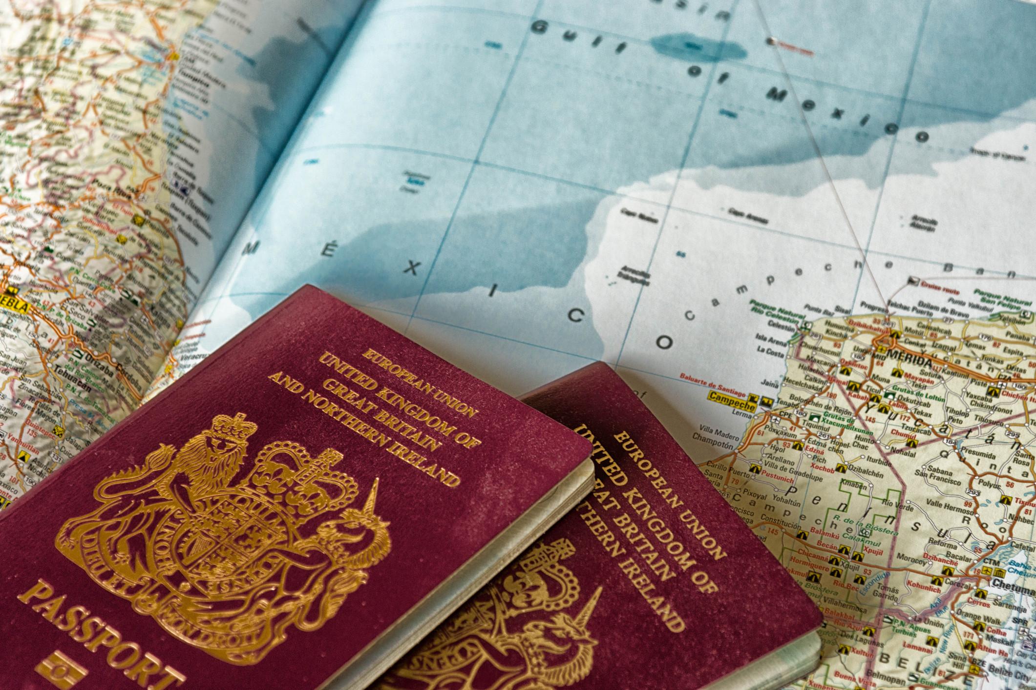 Já não há referência à União Europeia nos novos passaportes britânicos