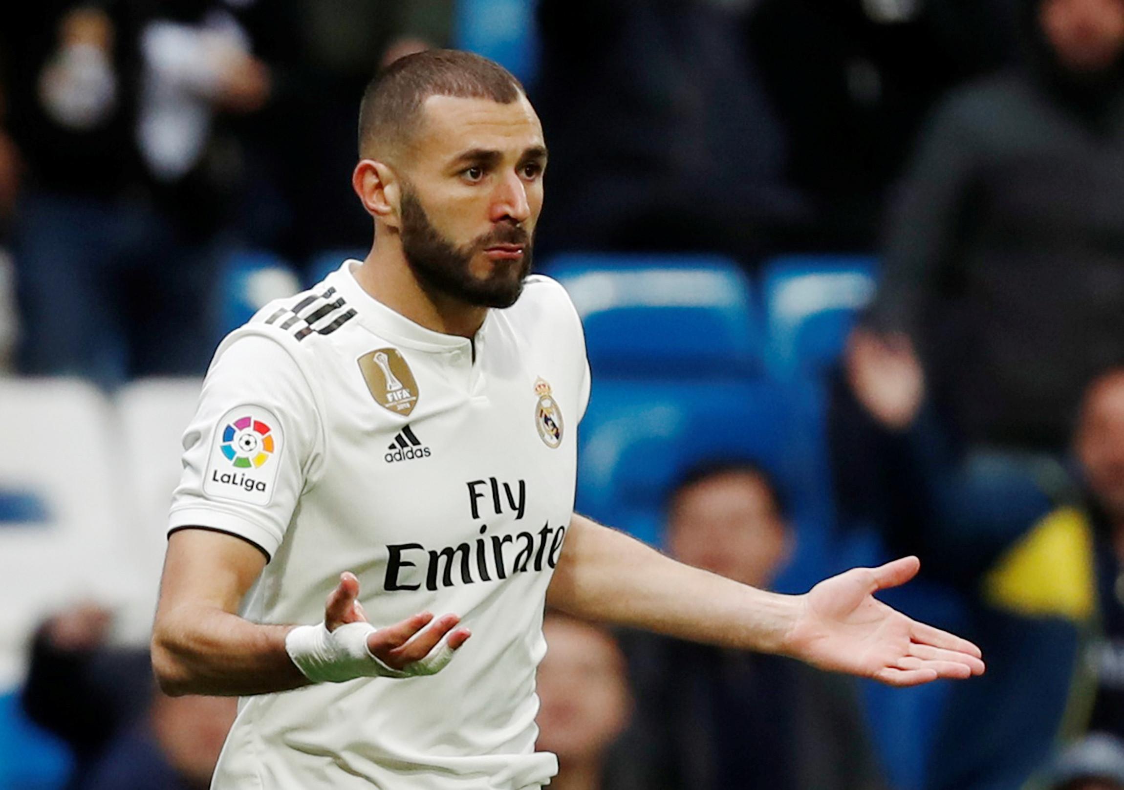 Real Madrid sofreu enxaquecas, mas a cabeça de Benzema foi salvadora