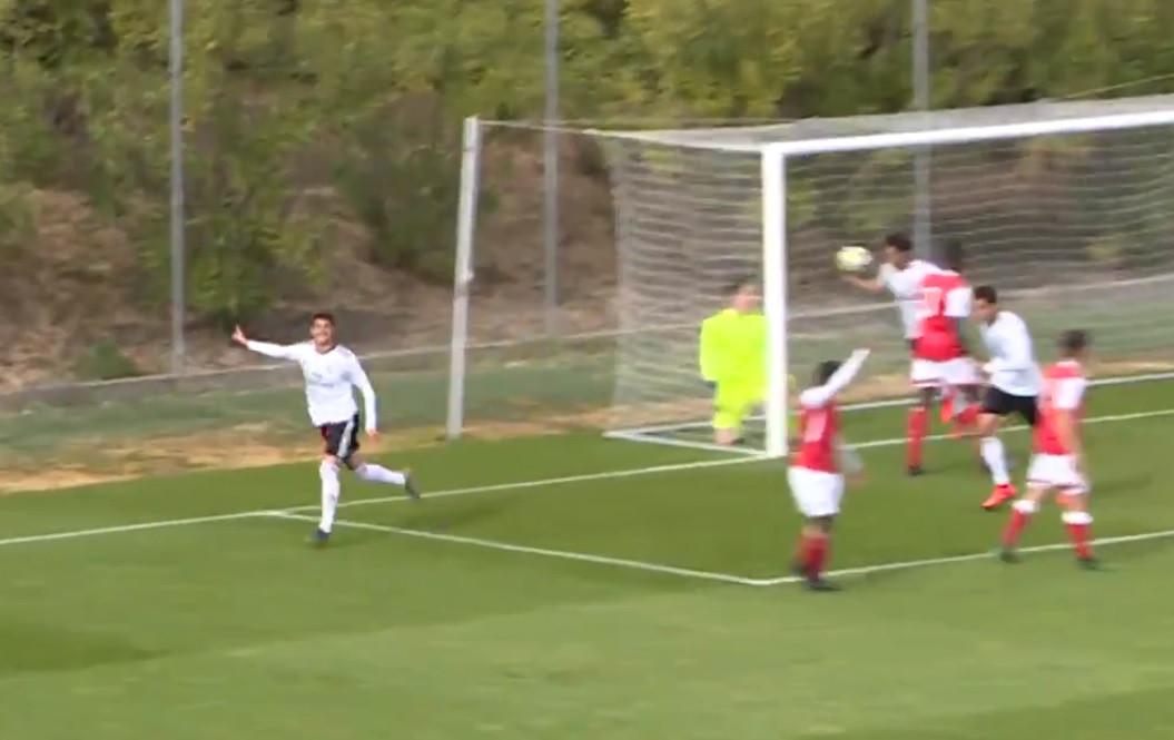 Vasco Paciência marca o seu primeiro golo com a camisola do Benfica