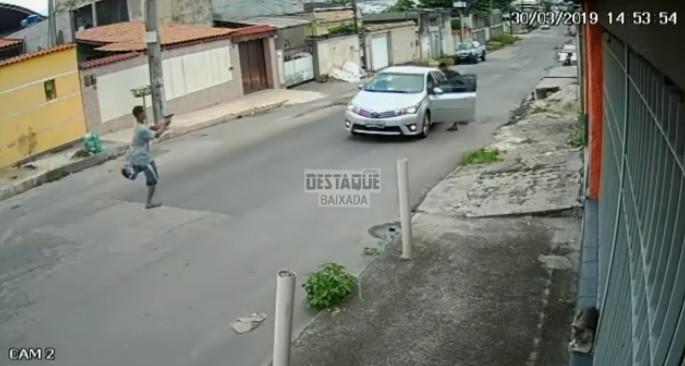 Menor perneta brasileiro detido após troca de tiros com agente de folga