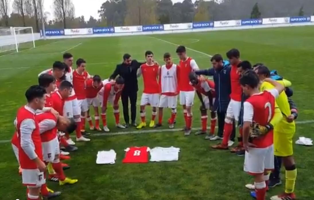 Equipa de juvenis do Sp. Braga homenageou David Veiga