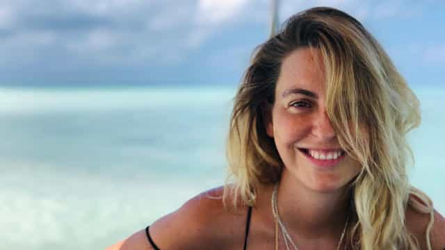 Nas Maldivas, Jessica Athayde volta a exibir 'barrigão' da gravidez