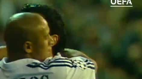 Há 16 anos, Luís Figo apontava um golaço ao Manchester United