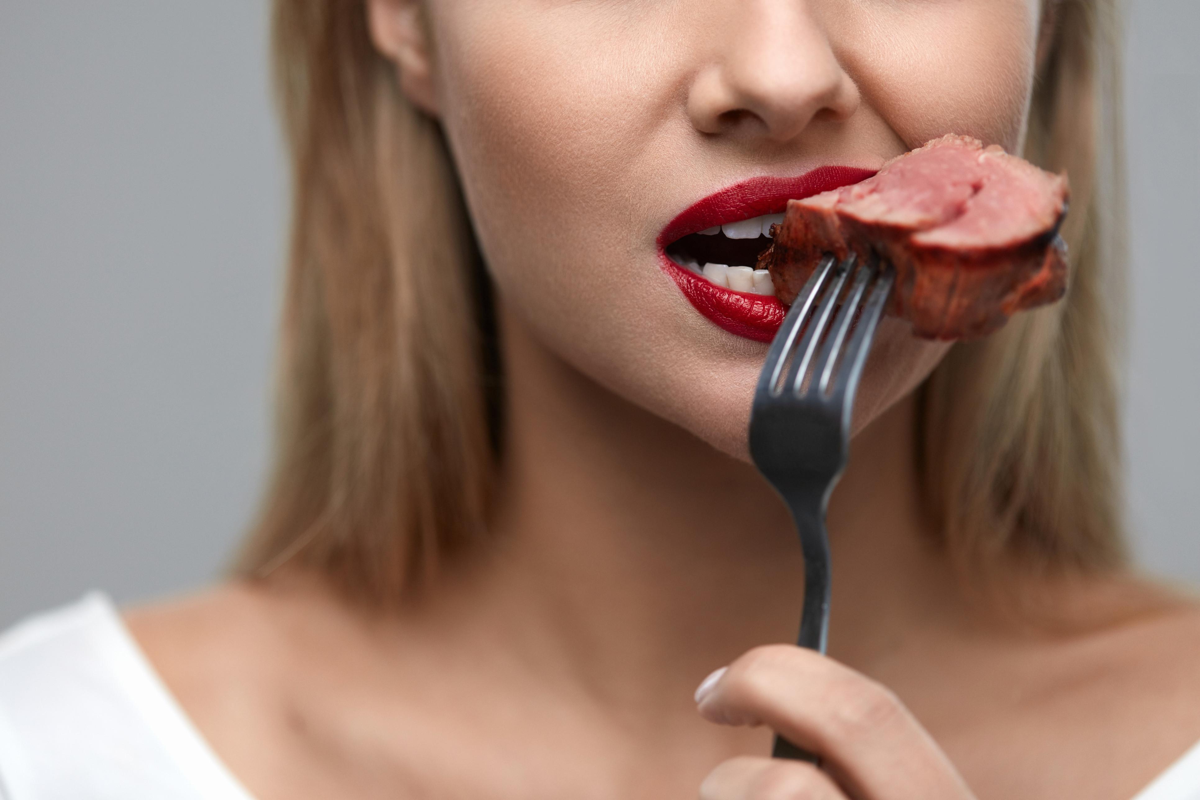 """Comer até """"pequenas quantidades de carne vermelha causa morte prematura"""""""