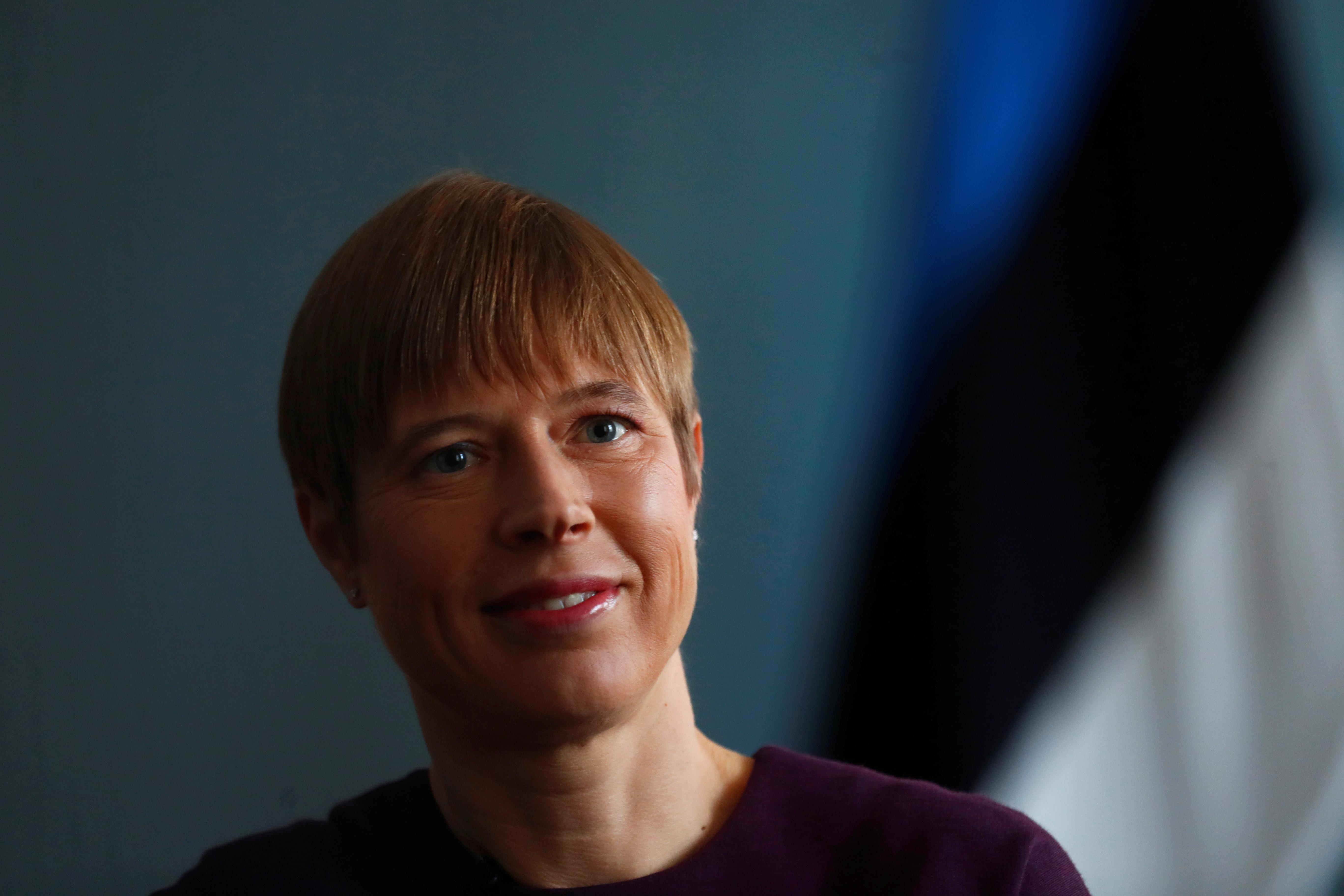 Presidente estónia encontra-se com Putin em rara visita à Rússia