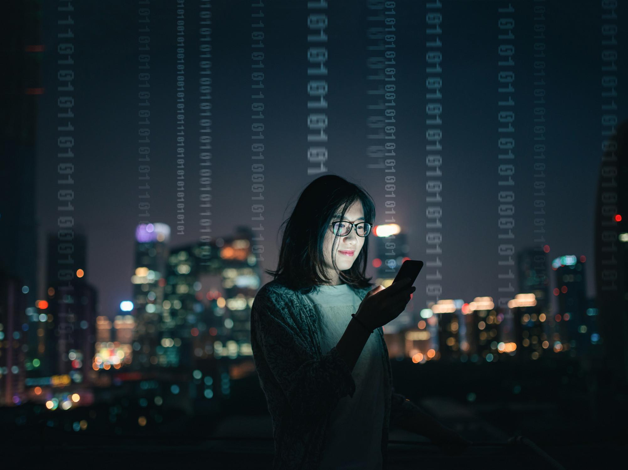 """Rede social chinesa suspende contas por """"informação política prejudicial"""""""