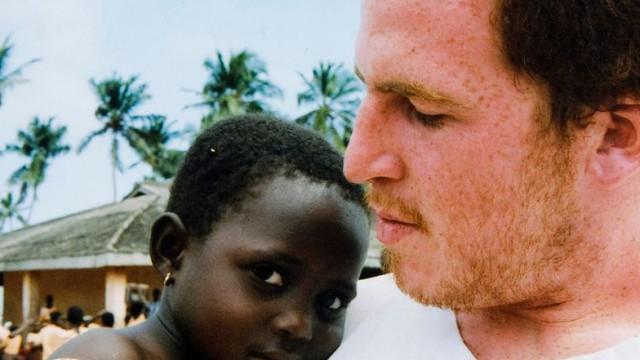 Harry morreu com malária. A mãe lançou petição (e Beckham deu uma ajuda)