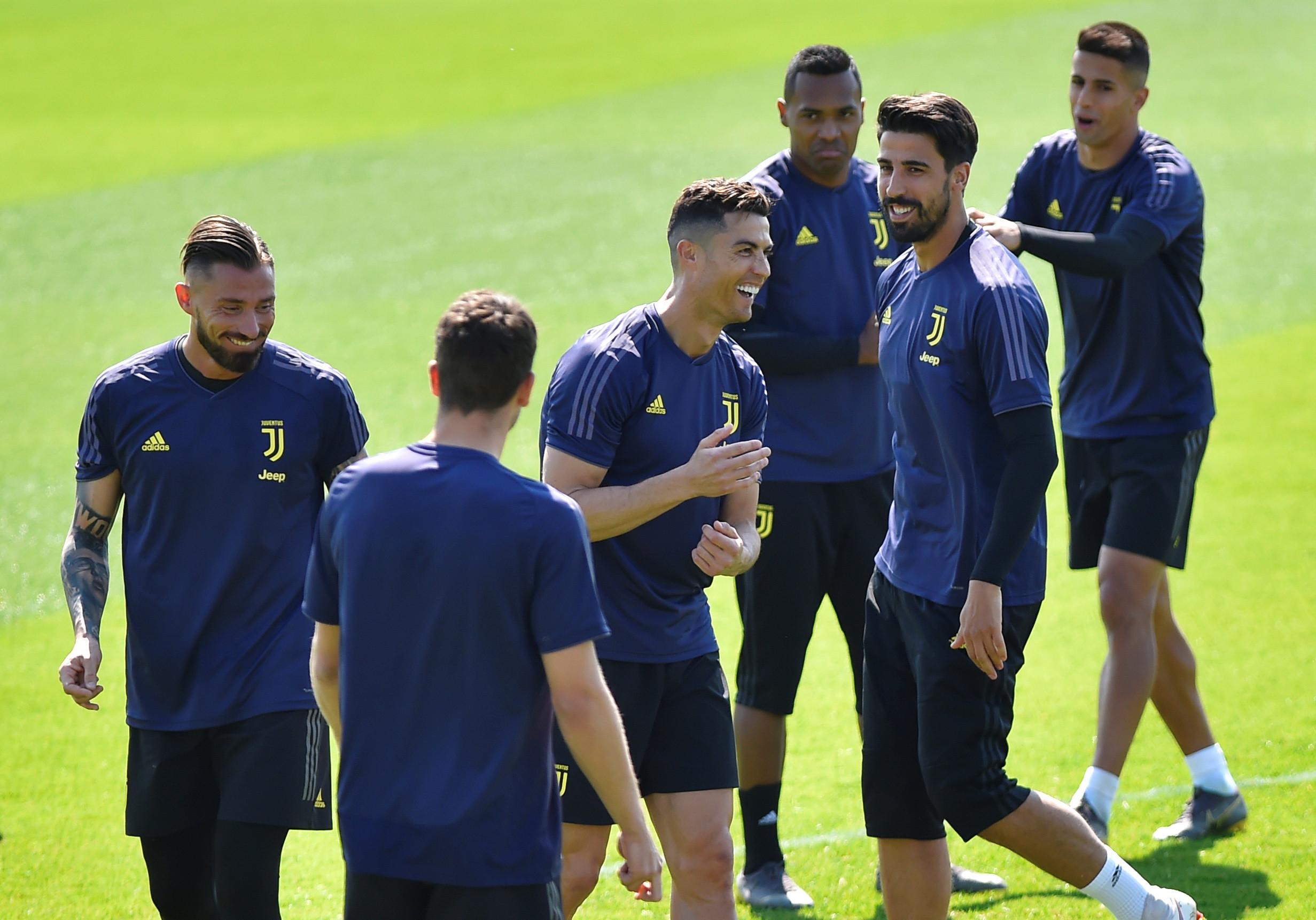 Juventus com duas baixas (mas com CR7) no último treino em Turim