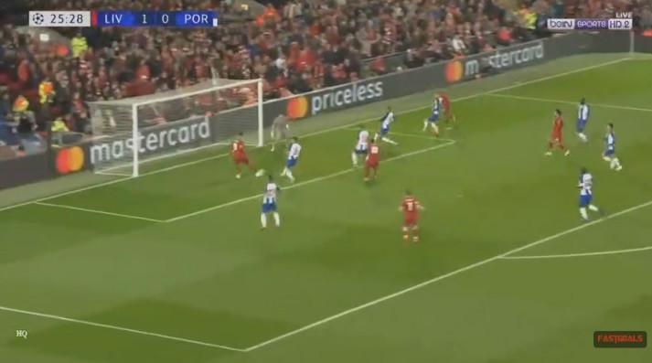 Passividade defensiva do FC Porto castigada por Firmino