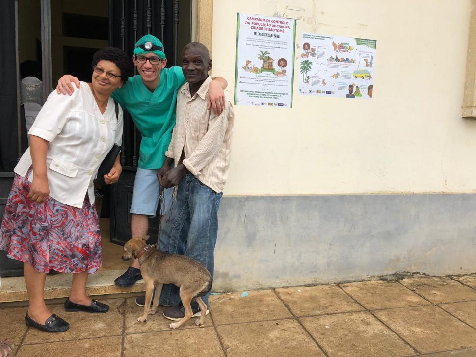Veterinários portugueses ajudam a tratar centenas de animais em África