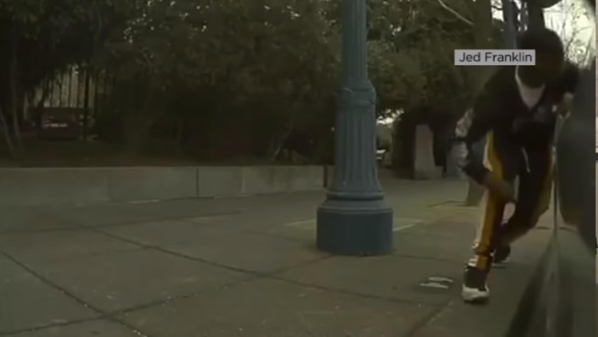 Carro da Tesla filma tentativa de assalto. Veja o vídeo