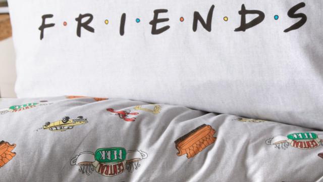 Primark lança coleção icónica em homenagem à série 'Friends'