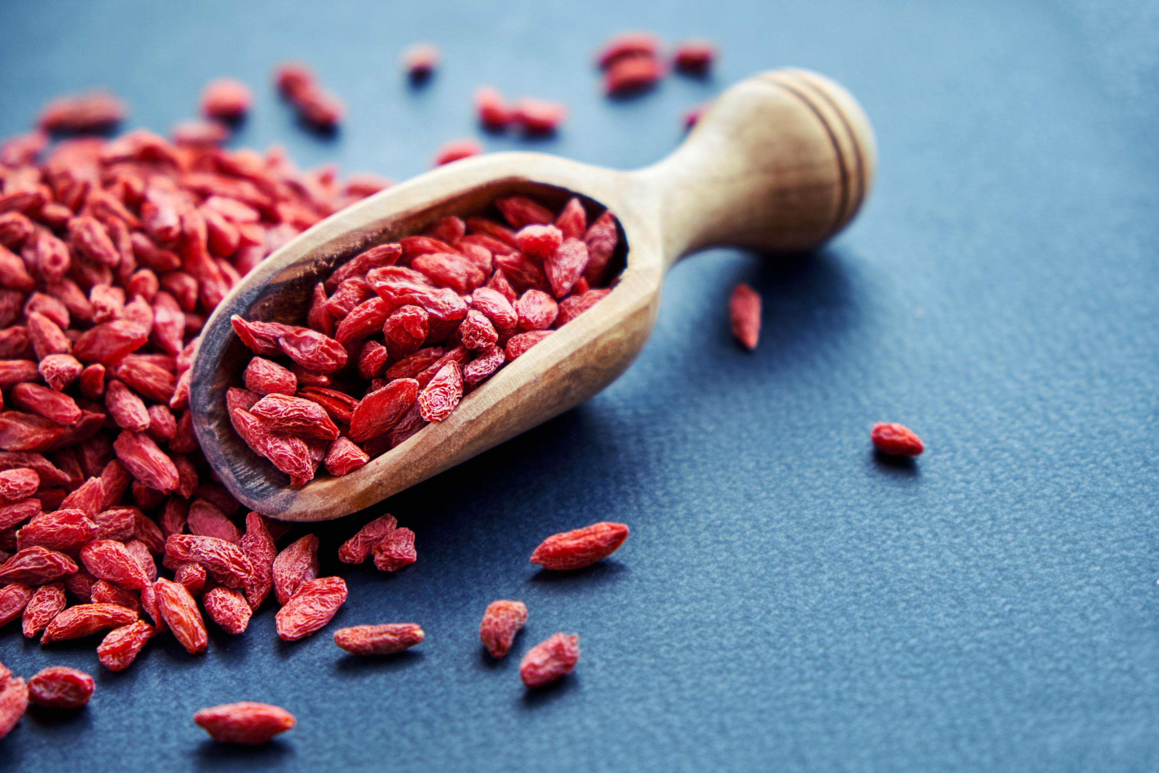 Descubra 8 benefícios de incluir bagas goji na sua alimentação