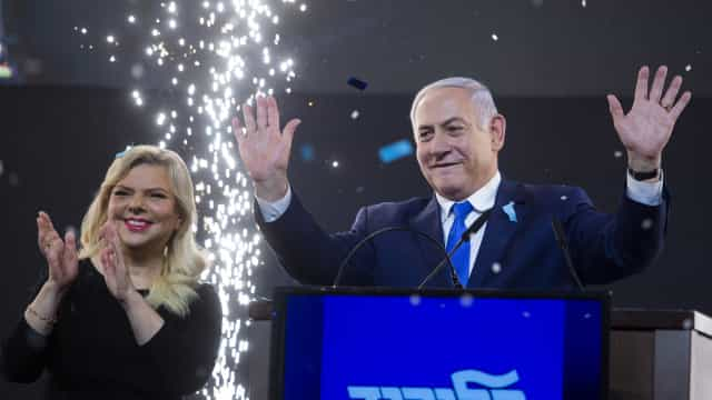 Partido de Netanyahu à frente nas legislativas com 97% dos votos contados