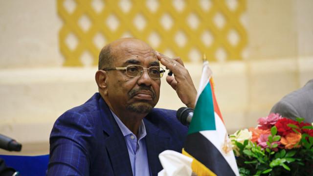 Partido de Omar al-Bashir defende a sua libertação