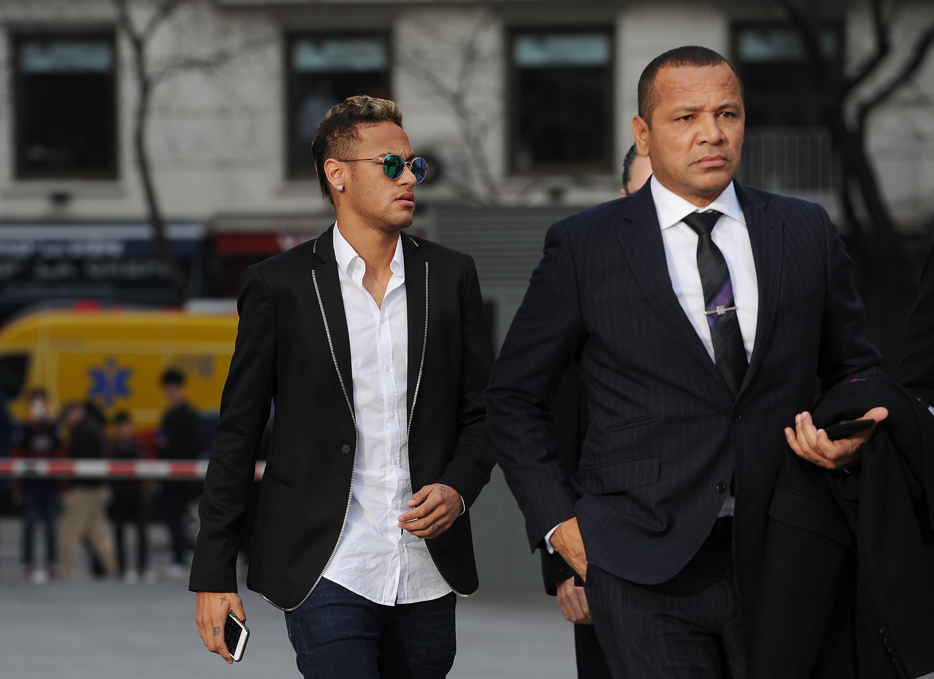 Pai de Neymar agride Gabigol,'ex' da filha, em discoteca