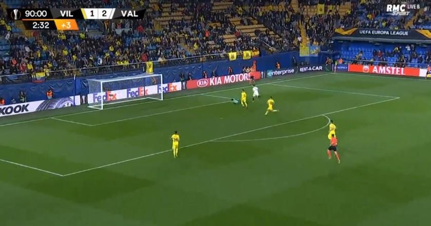 Foi assim que Guedes deixou o Valencia mais perto das meias finais