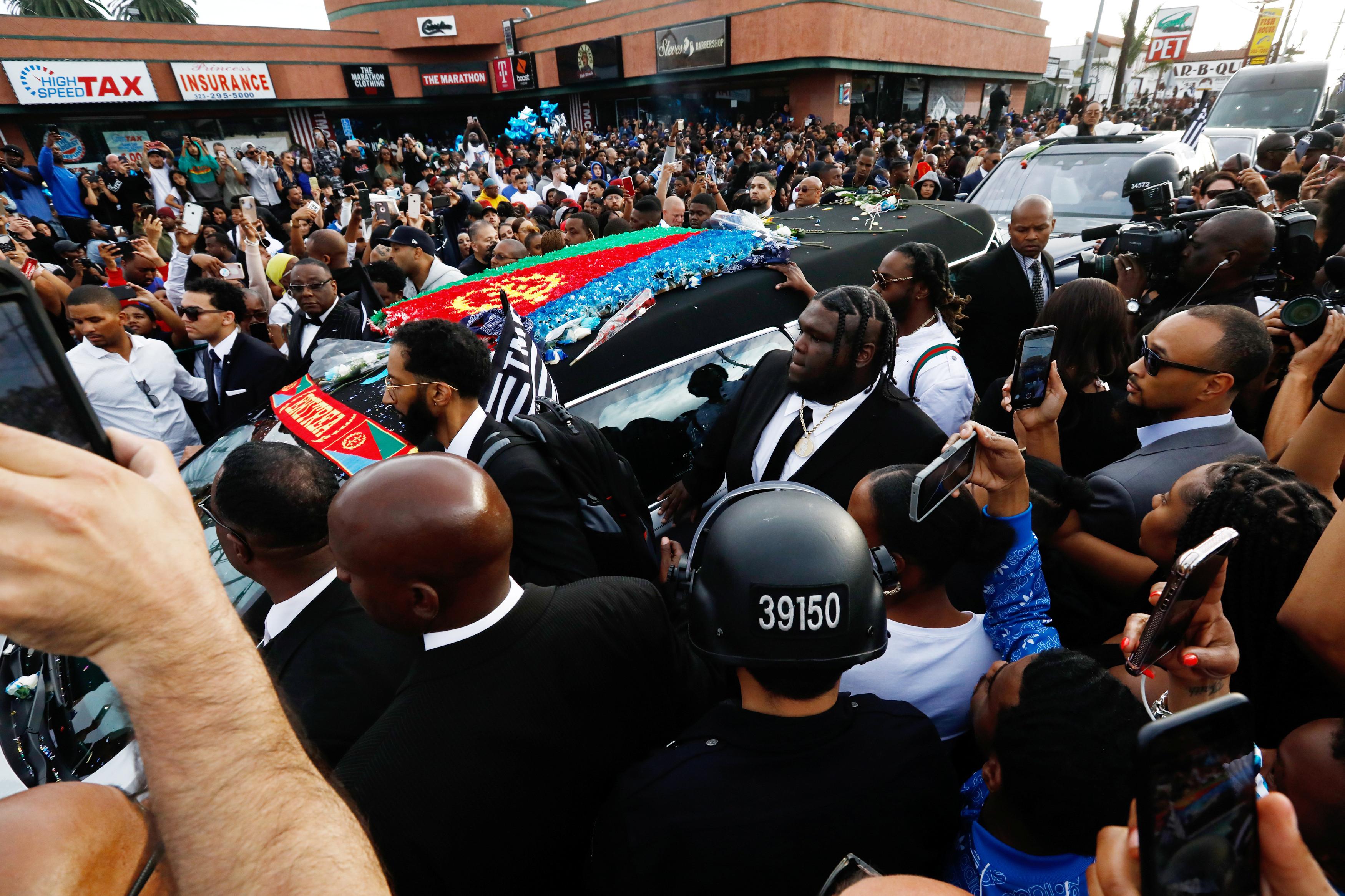 Pelo menos um morto em tiroteio durante funeral do rapper Nipsey Hussle