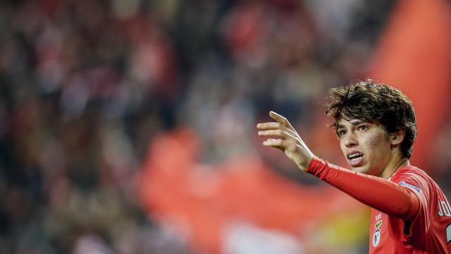 Barça veio à Luz ver Jovic, mas ficou com dois jogadores lusos na retina