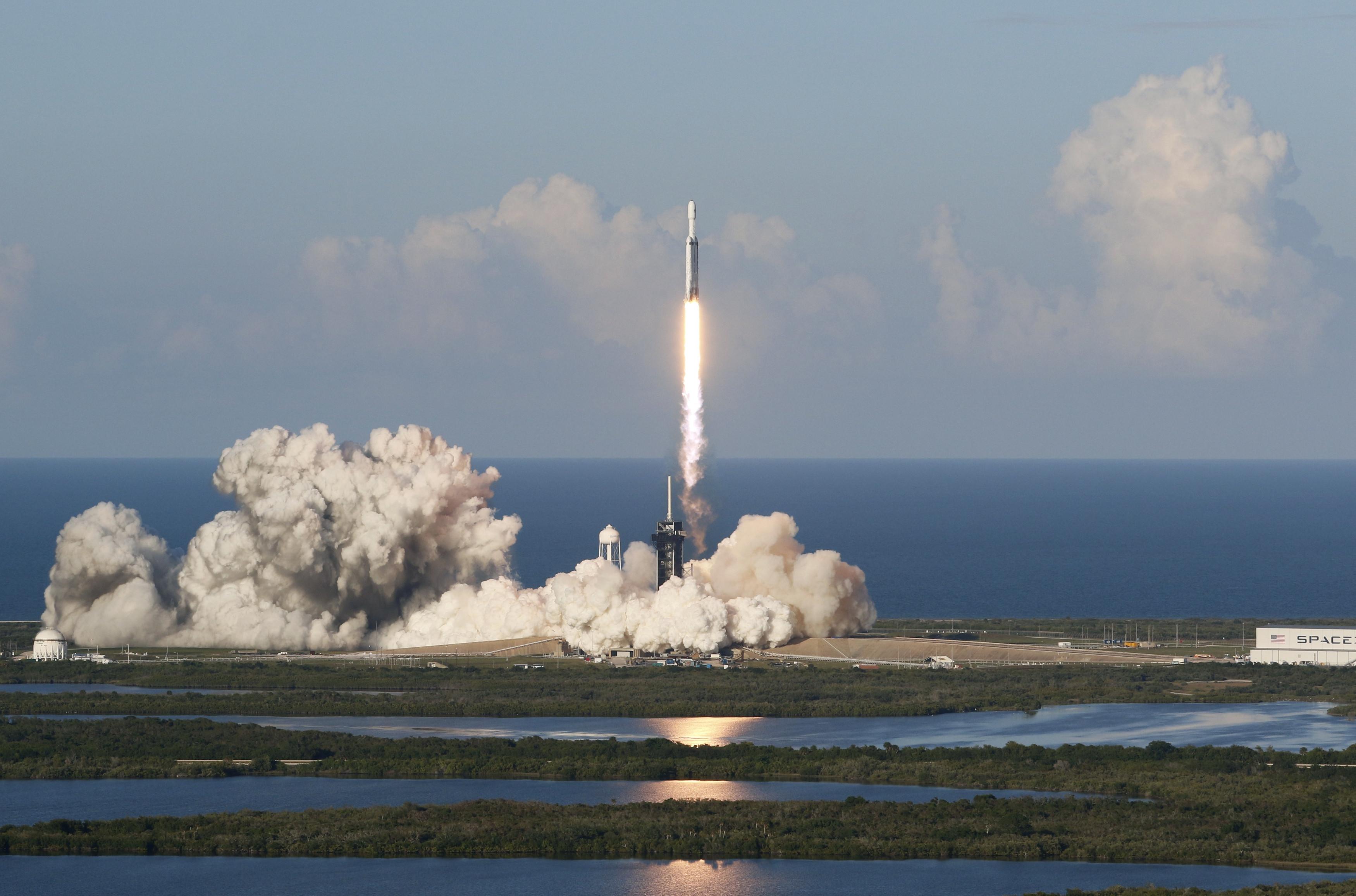 SpaceX ajudará NASA a desviar asteróide