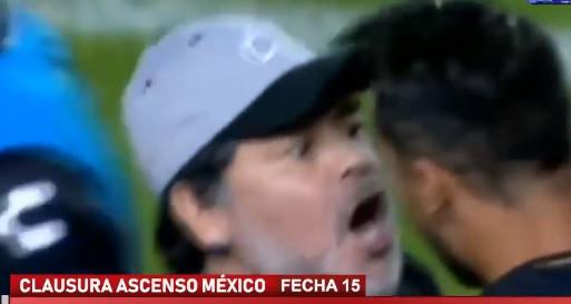 Maradona enlouquece com golo de um dos seus jogadores