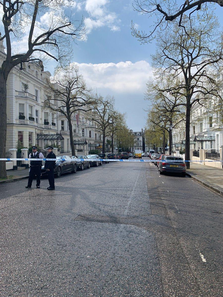 Carro chocou contra viatura de embaixador em Londres. Polícia abriu fogo
