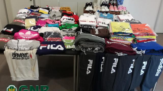 Apreendidos 453 artigos contrafeitos em operação da GNR em Vila Verde