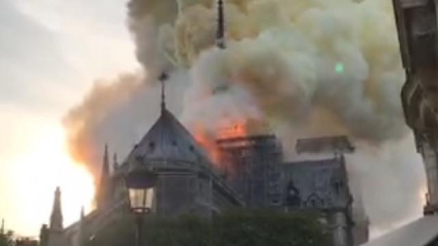 Há um incêndio a decorrer na catedral de Notre-Dame em Paris