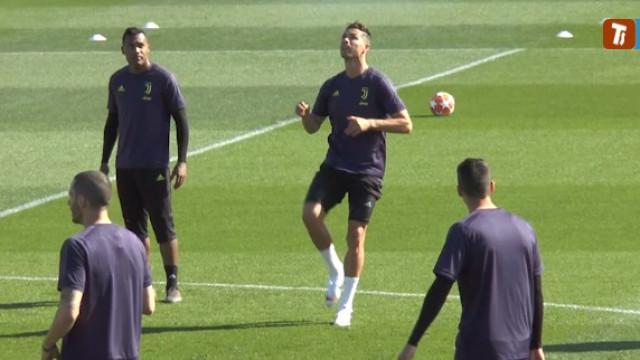 Ronaldo deu espetáculo na véspera de defrontar o Ajax