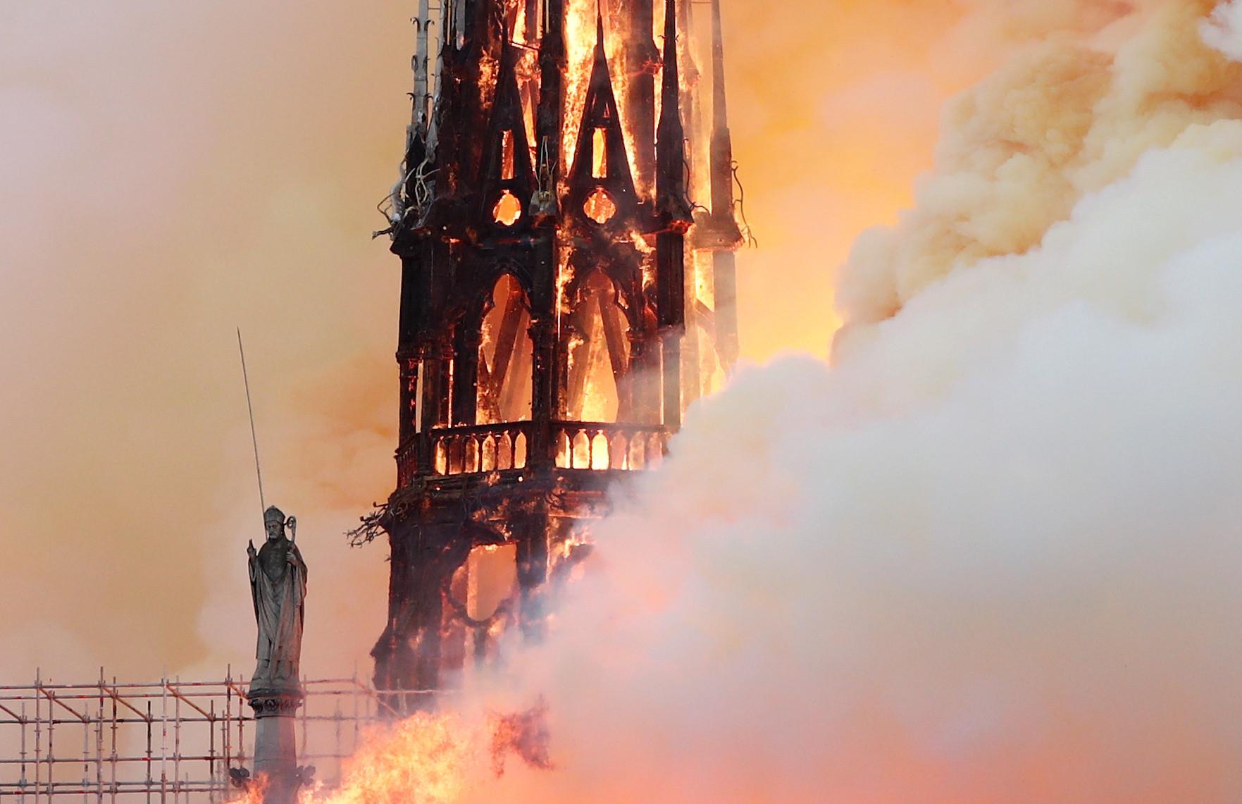 Incêndio na Catedral de Notre-Dame parou o mundo do desporto