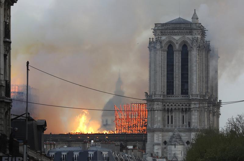 Futebol francês vai mobilizar-se para ajudar reconstrução de Notre-Dame