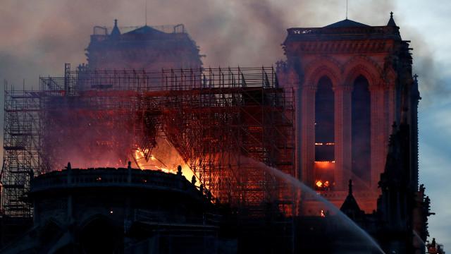 """Treinadores e jogadores """"choram"""" por Notre-Dame e relembram Quasimodo"""