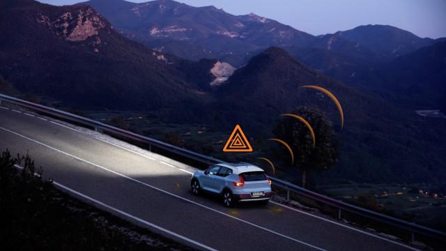 Carros da Volvo serão capazes de comunicar para prevenir perigo
