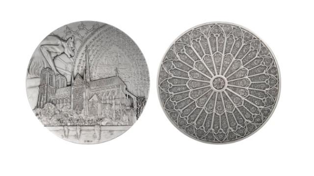 França vai reeditar moeda para ajudar a reconstruir Notre-Dame
