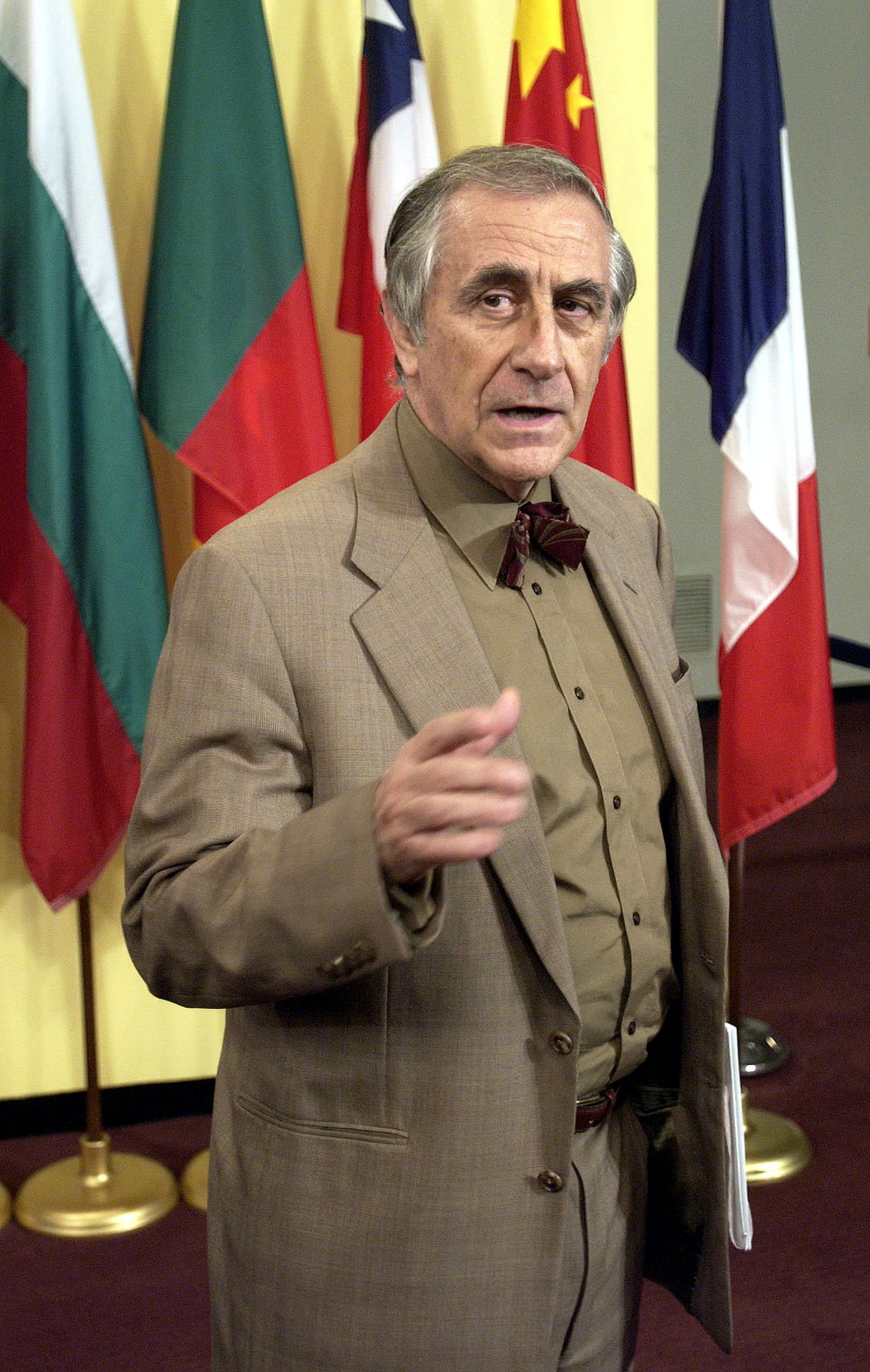 """Diplomata diz que Partido Socialista pediu """"proteção"""" a Franco em 1975"""