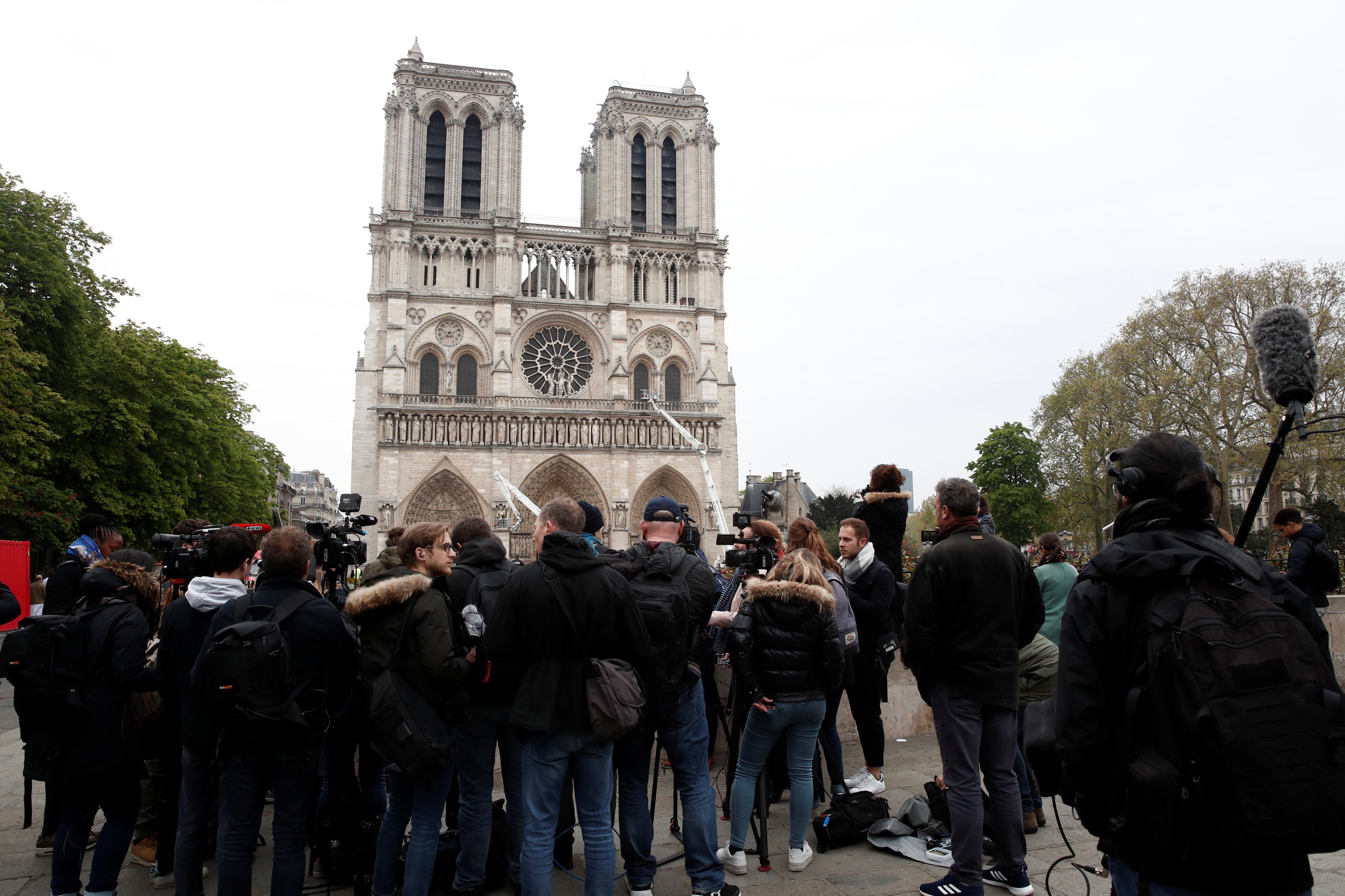 """Notre-Dame: Reconstrução é possível, mas não será """"como antes"""""""