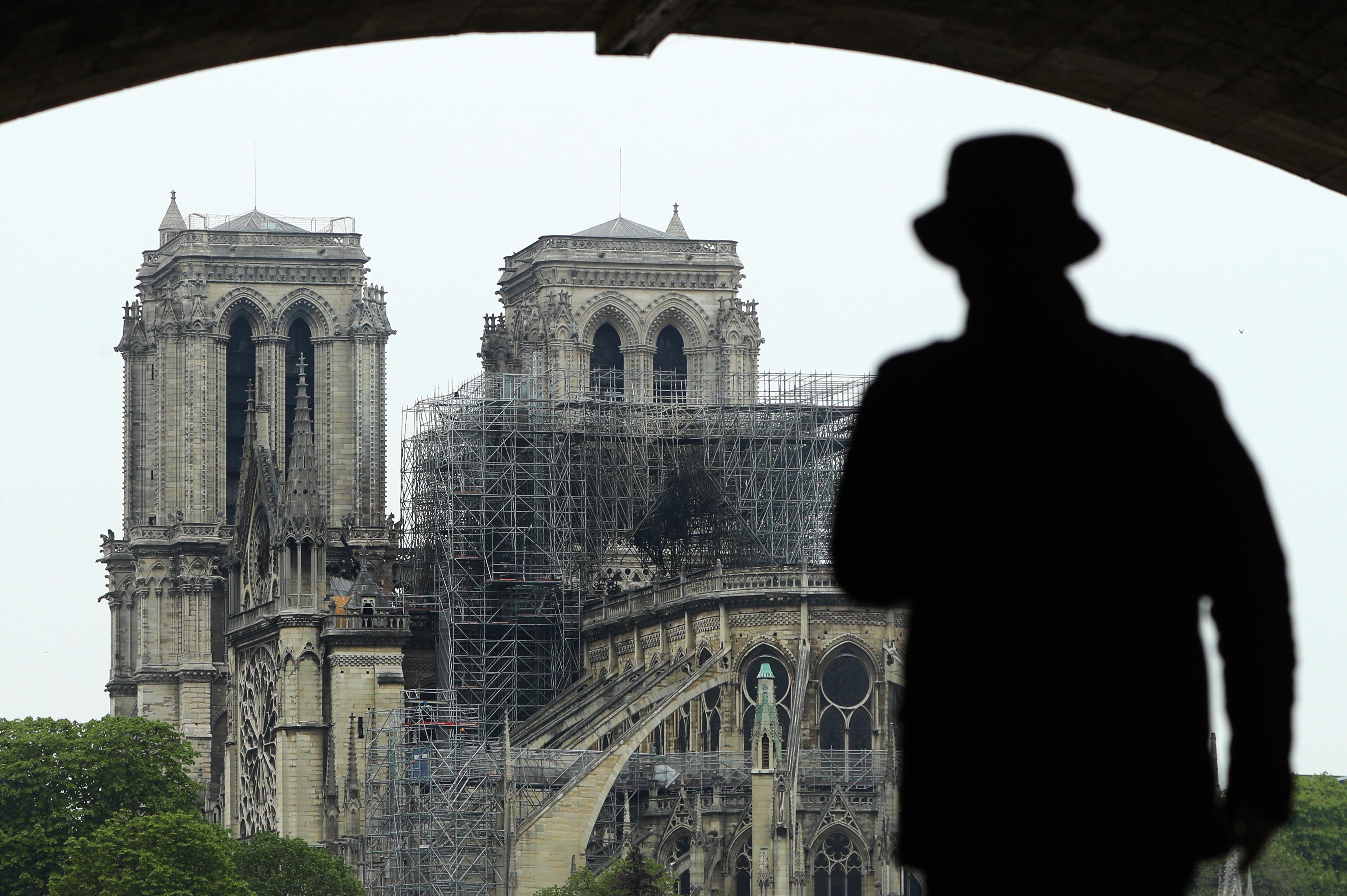 """""""Tenham um bom dia"""", a mensagem do Daesh após tragédia de Notre-Dame"""