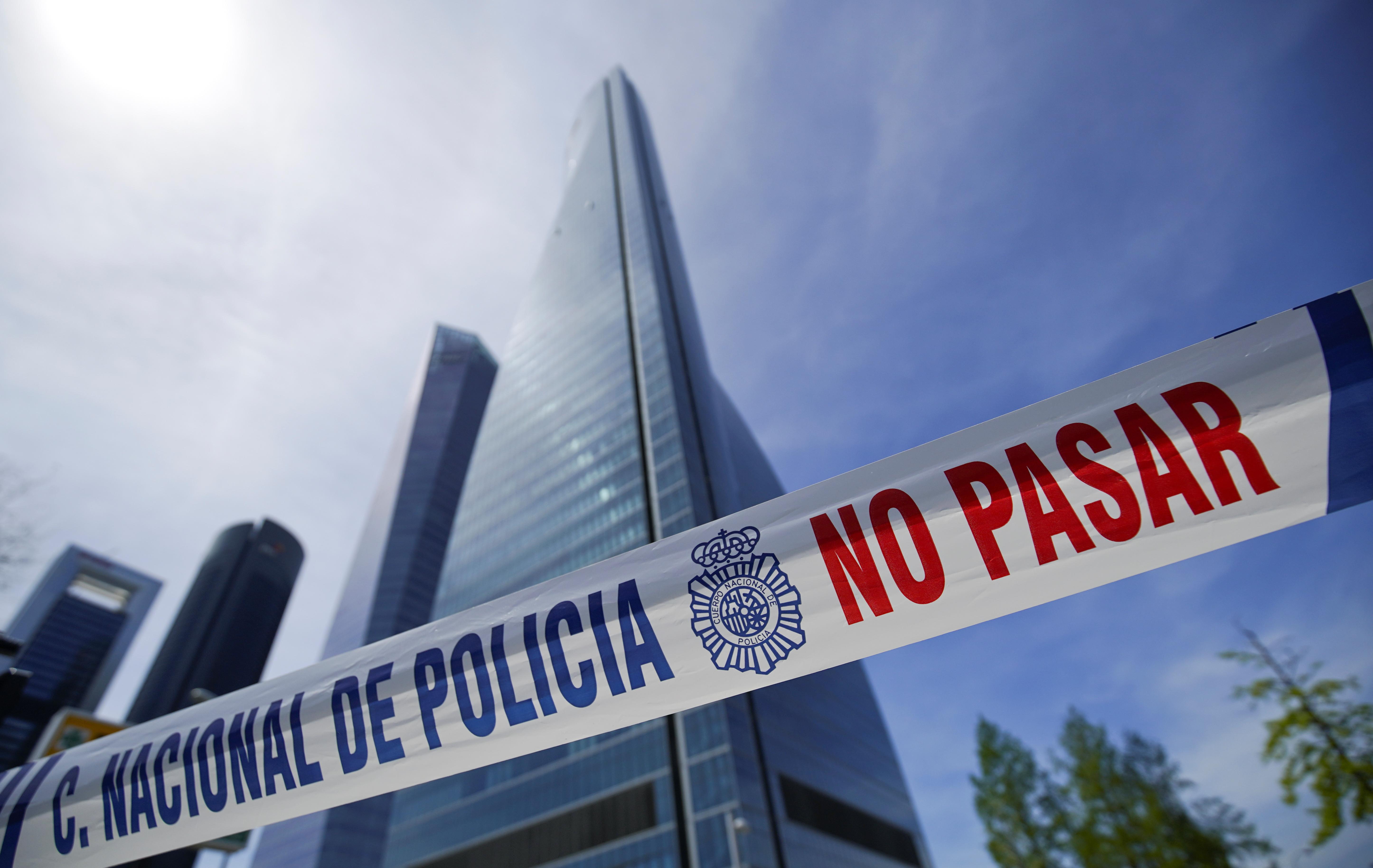 Falso alarme na ameaça à bomba em arranha-céu de Madrid