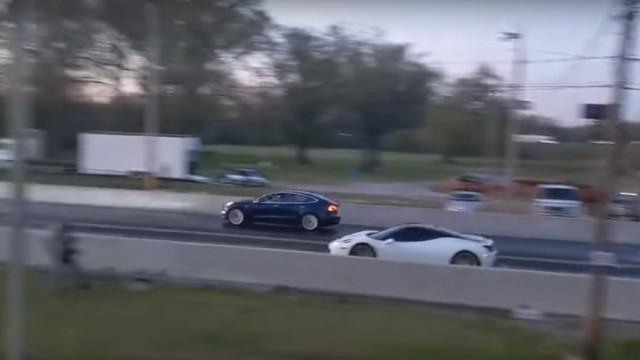 Tesla Model 3 vencer um Ferrari 458? A corrida com um final inesperado