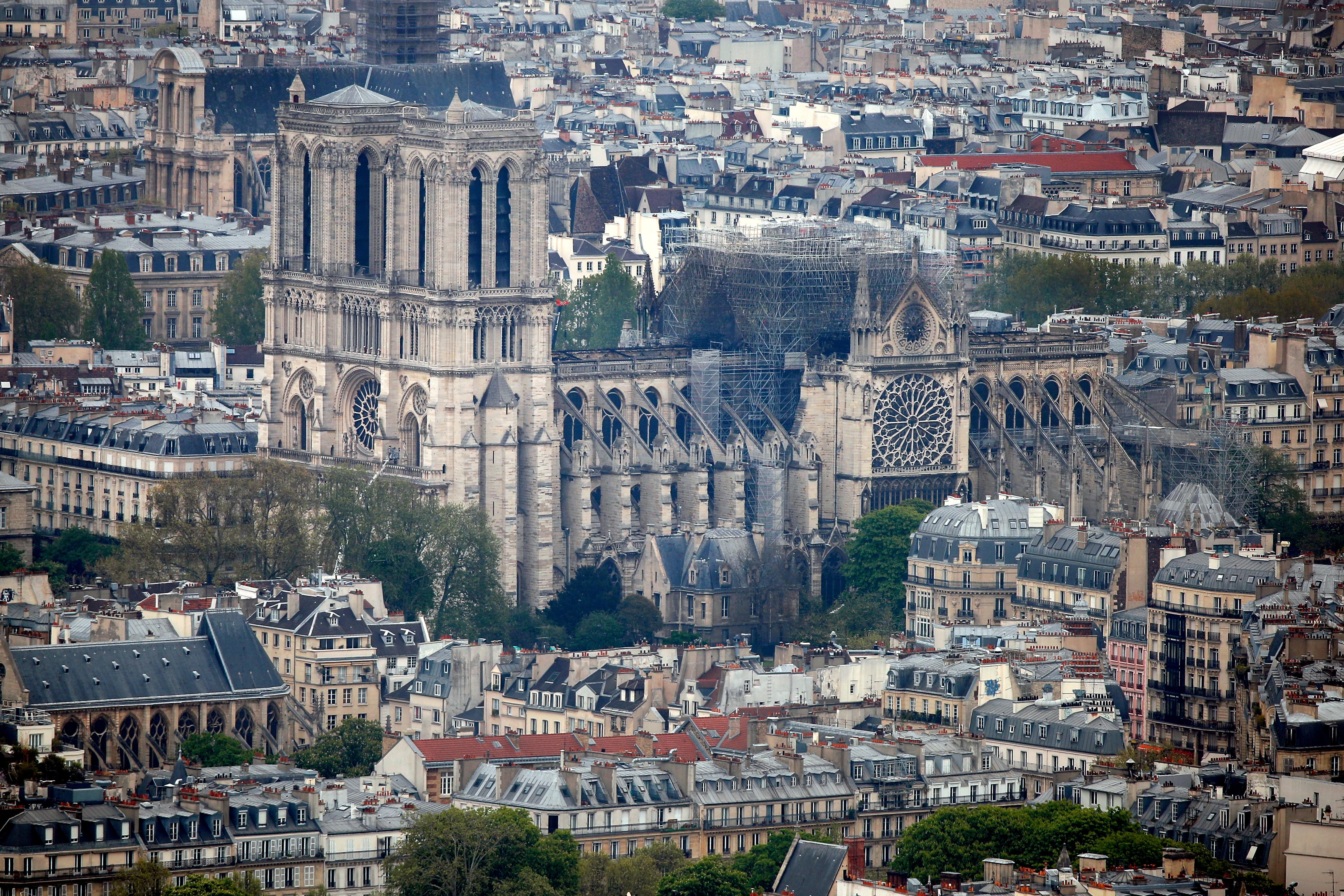 Reconstrução da emblemática catedral mobiliza doações à escala mundial