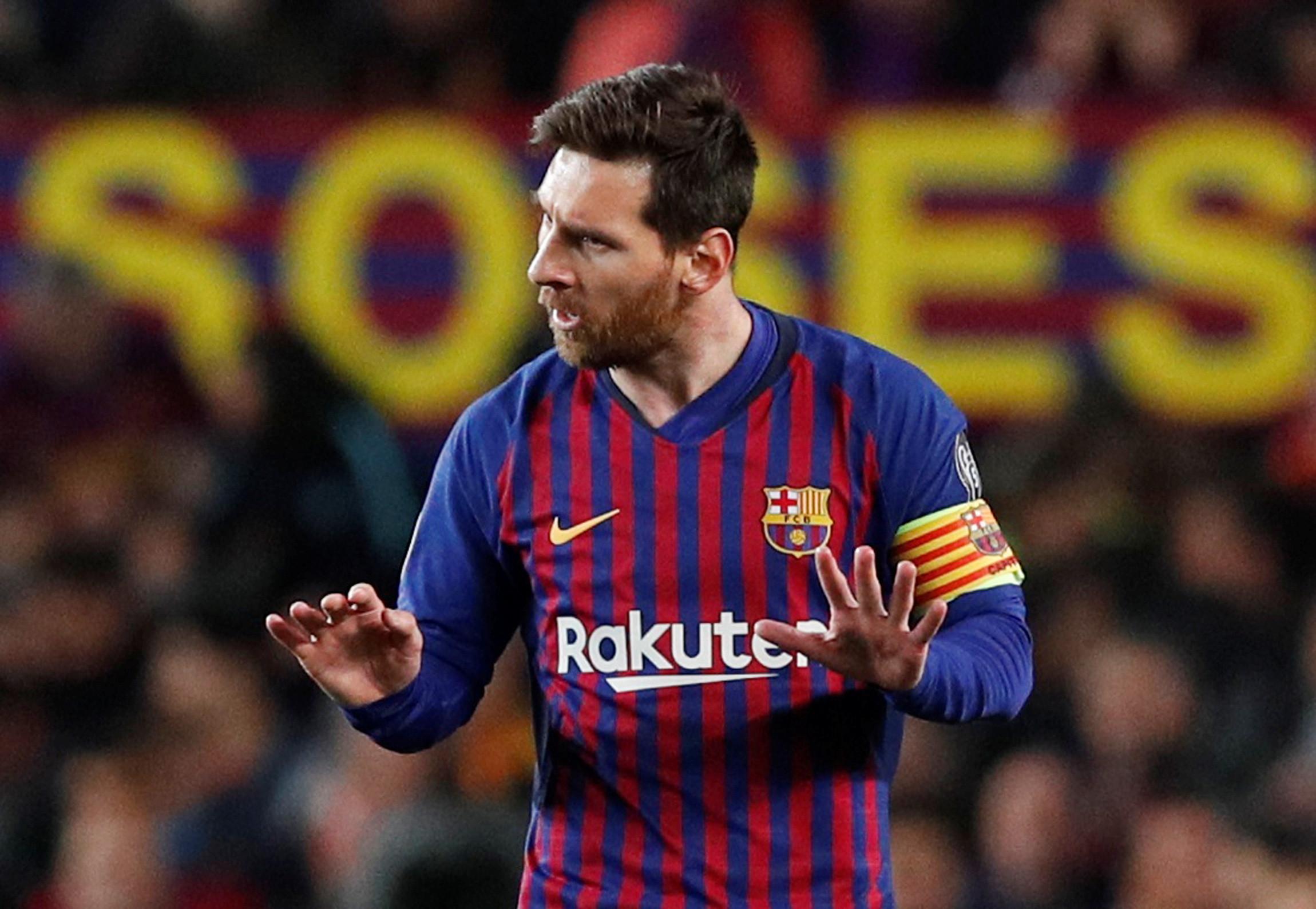 Em quatro minutos 'Dios' Messi abriu o 'aviário' de De Gea