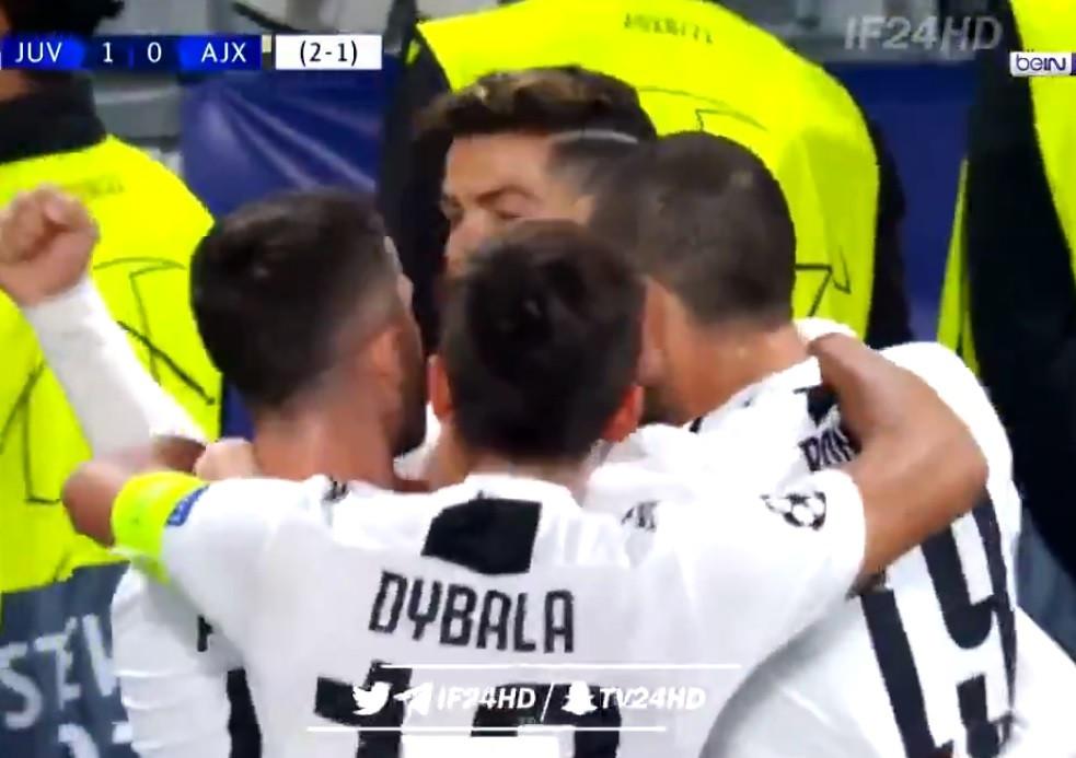 'SIIIIIIIII': Cabeçada 'monstruosa' de Ronaldo entra novamente em ação