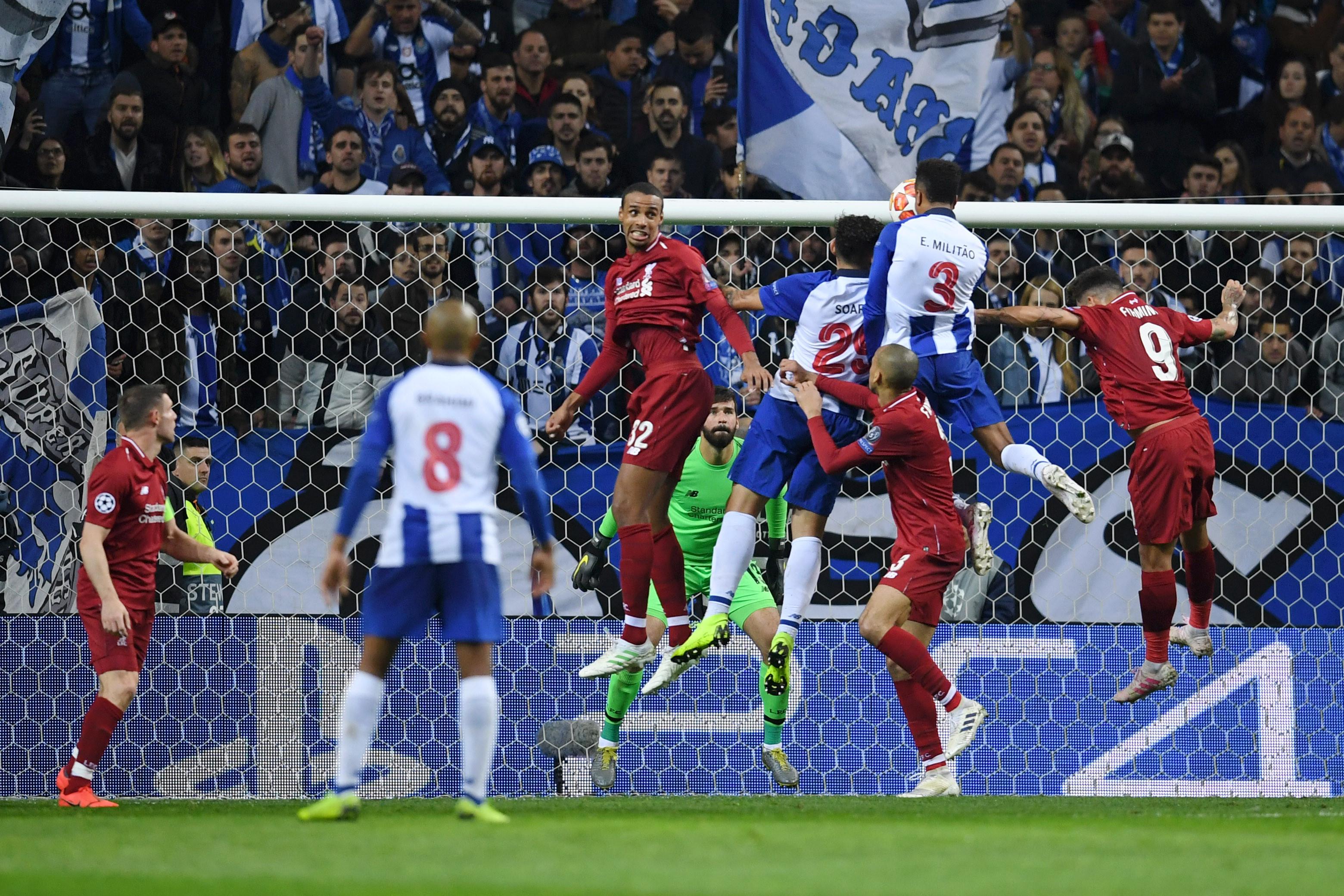 Jogo entre o FC Porto e o Liverpool teve um espetador especial no Dragão