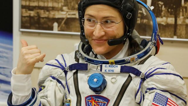 Será batido recorde de passeio espacial mais longo feito por mulher