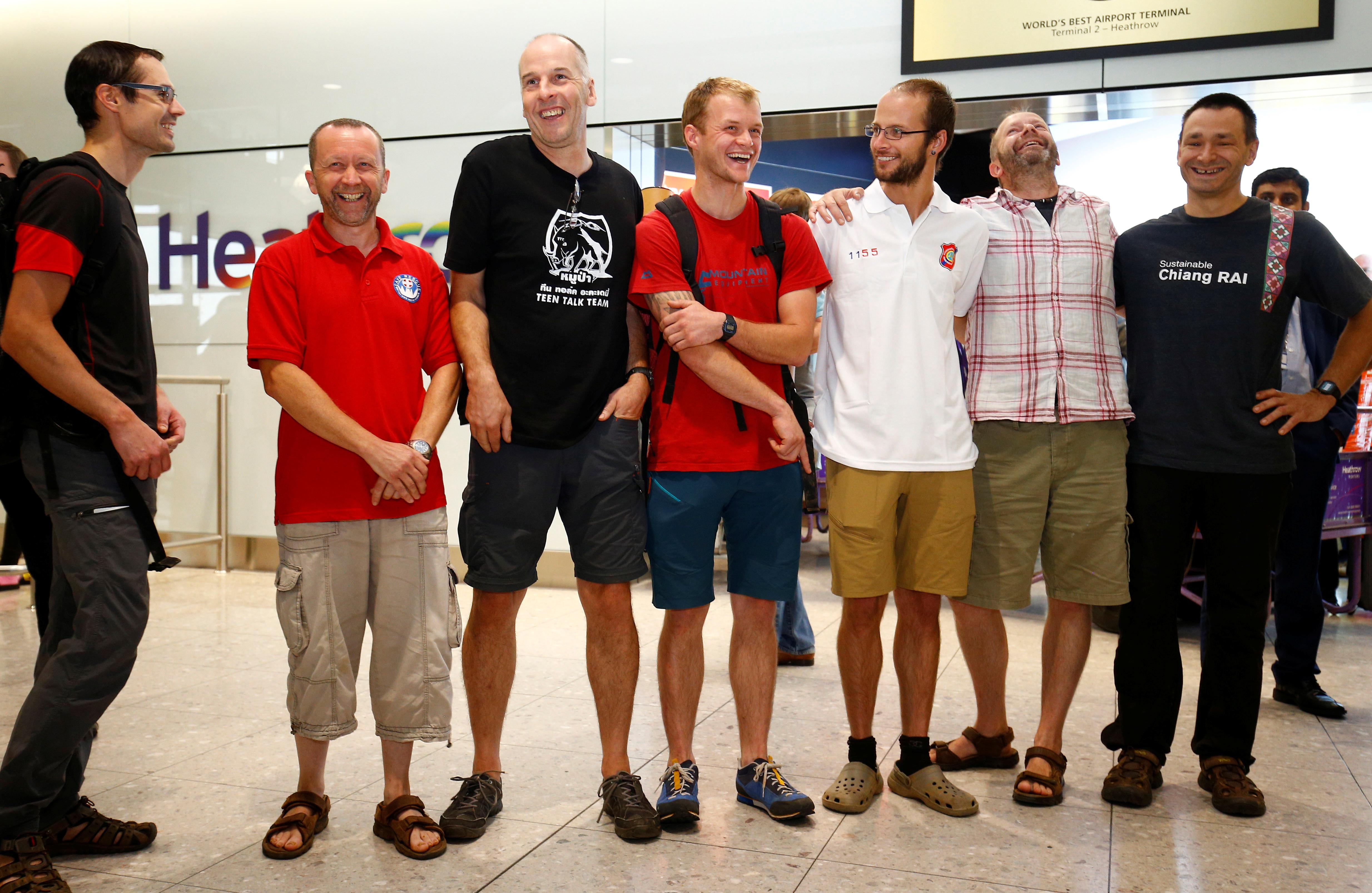 Mergulhador britânico que salvou crianças em gruta na Tailândia resgatado